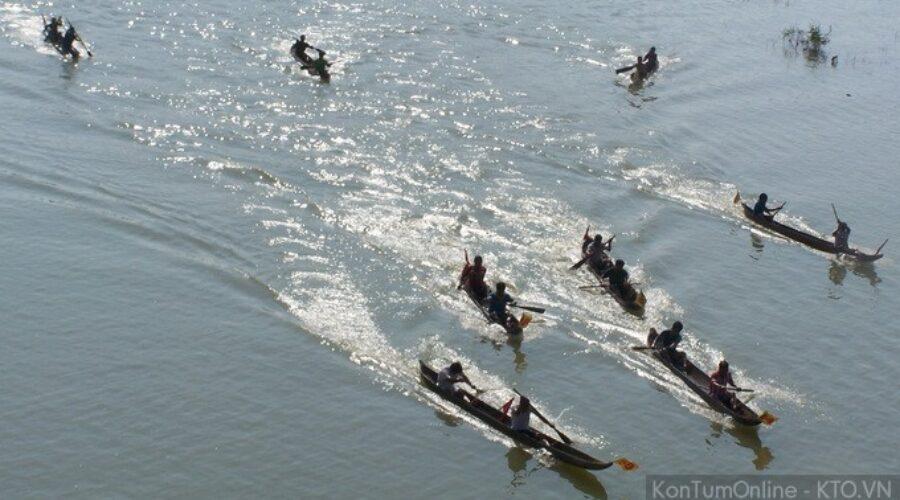 Những hình ảnh đẹp trong lễ hội đua thuyền độc mộc xuân 2014