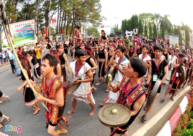 Hàng nghìn người đồng diễn văn hóa dân gian Tây Nguyên
