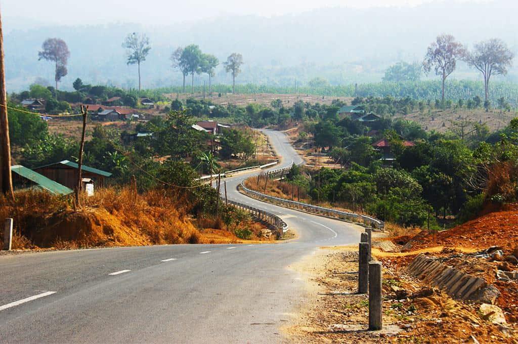 Đường vào huyện Ia H'Drai
