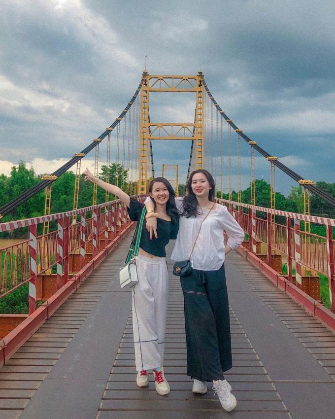 Cầu treo Kon Klor - 'Dải lụa' màu cam bên dòng Đắk Bla