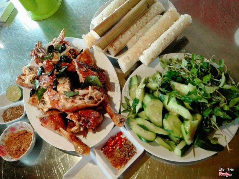 Cơm lam gà nướng Cô Sinh - Đặc sản Măng Đen