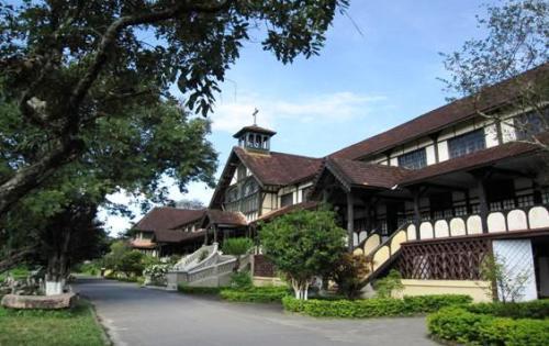 Tòa Giám Mục Kon Tum - Chủng Viện Thừa Sai Kon Tum