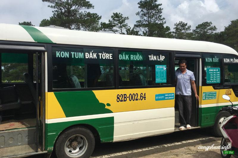 Xe buýt đi Măng Đen