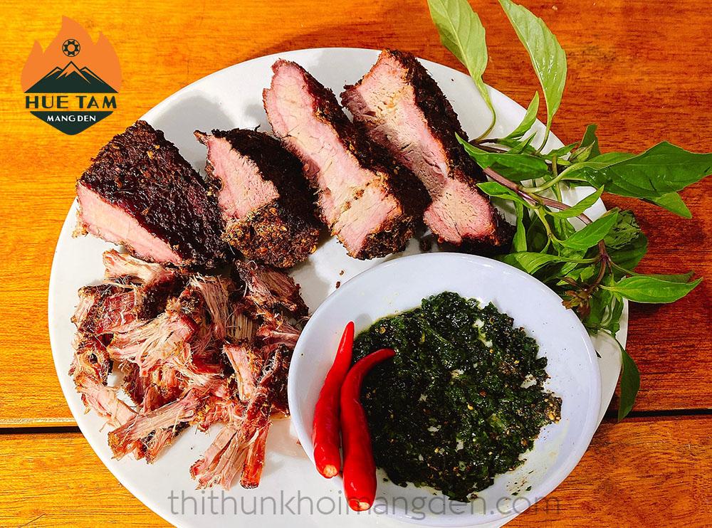 Đặc sản thịt hun khói Măng Đen